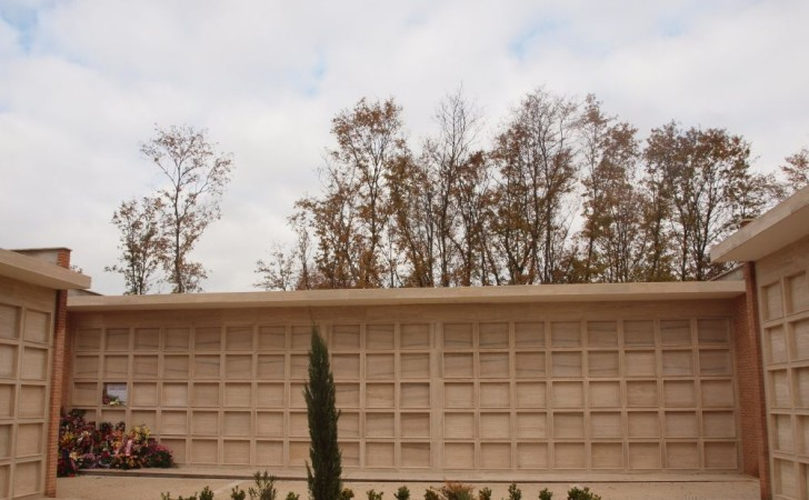 2008---Ampliamento-Civico-Cimitero-in-Montecastrilli-TR-PB250457