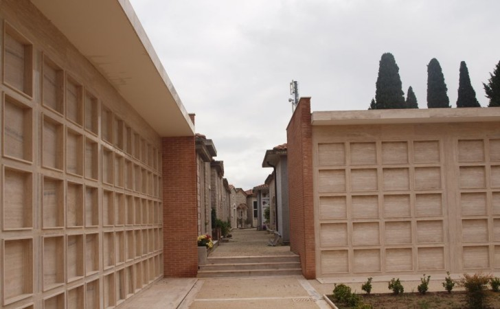 2008---Ampliamento-Civico-Cimitero-in-Montecastrilli-TR-PB250463